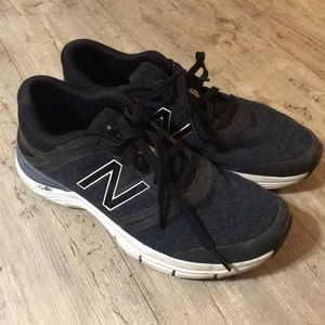 New Balance 711 shoes in black
